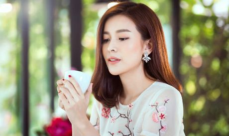 Cao Thai Ha: 'Chu ngua manh me' san sang dung sau lung chong - Anh 1