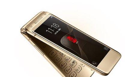Smartphone nap gap cua Samsung co gia cao ngat nguong - Anh 1