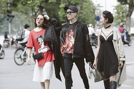 Street Style ngay thu 4: Cac 'bang hoi' fashionista khoe gout thoi trang cuc chat nhu the nao? - Anh 9