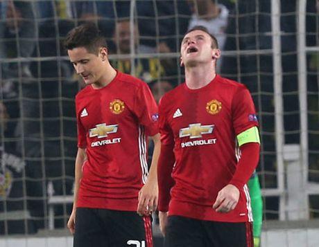 "MU bi du doan ""kho them 2 nam nua"" voi Mourinho - Anh 1"