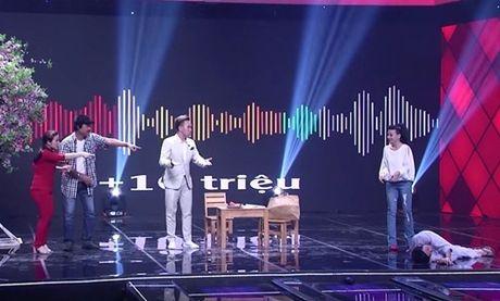 """Nha Cuoi: Hoai Linh """"ngat xiu"""" vi bi mat tien - Anh 10"""