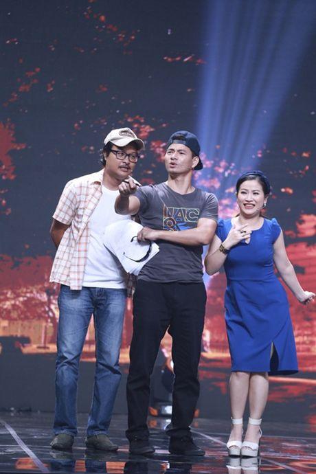 """Nha Cuoi: Hoai Linh """"ngat xiu"""" vi bi mat tien - Anh 16"""