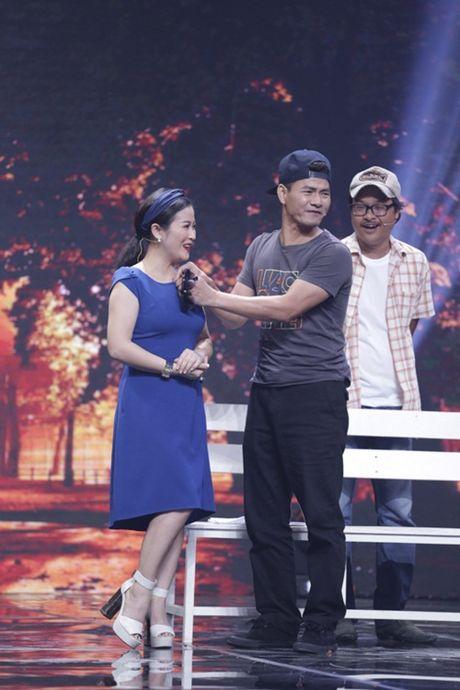 """Nha Cuoi: Hoai Linh """"ngat xiu"""" vi bi mat tien - Anh 17"""