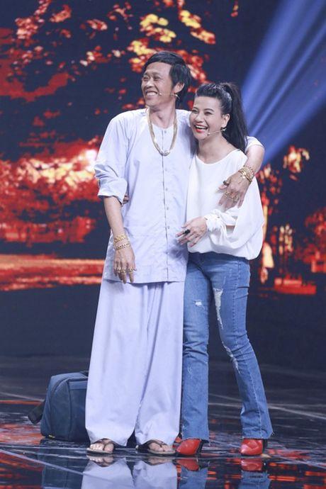 """Nha Cuoi: Hoai Linh """"ngat xiu"""" vi bi mat tien - Anh 18"""