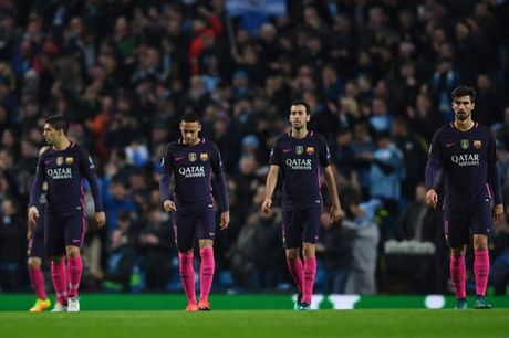 Barca phu thuoc Messi–Suarez–Neymar: Con dao 2 luoi - Anh 2