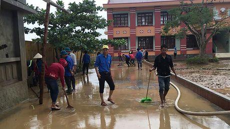 Quang Binh: Van con 35 truong va diem truong vang hoc sinh - Anh 1