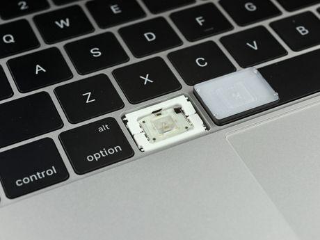 Mo bung Macbook Pro 2016: cuc ky kho sua - Anh 43