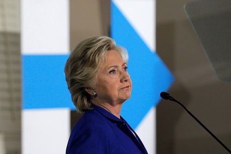 FBI dieu tra thu gia nghi do hacker Nga gui cho ba Clinton - Anh 1