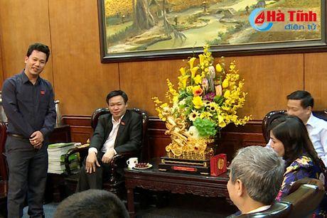 Doan DBQH Ha Tinh tham Bac Ninh va Tap doan Dabaco Viet Nam - Anh 1