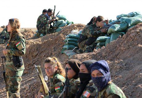 Nhung nu chien binh nguoi Kurd tren chien truong chong IS o Mosul - Anh 12