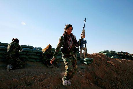 Nhung nu chien binh nguoi Kurd tren chien truong chong IS o Mosul - Anh 7