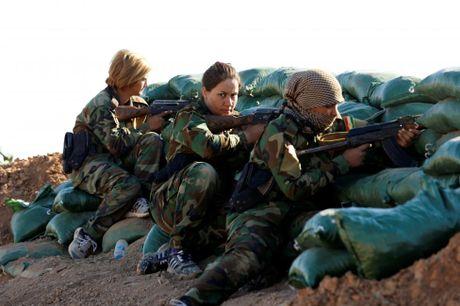 Nhung nu chien binh nguoi Kurd tren chien truong chong IS o Mosul - Anh 8