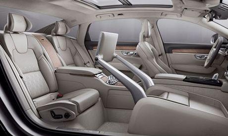 Volvo S90 Excellence thiet ke la - mo vuot Mercedes E-Class L - Anh 1