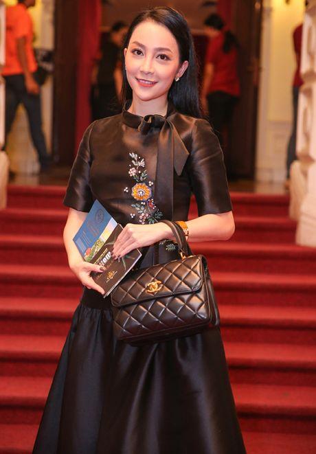 Me con Linh Nga mac ton-sur-ton di xem xiec - Anh 1