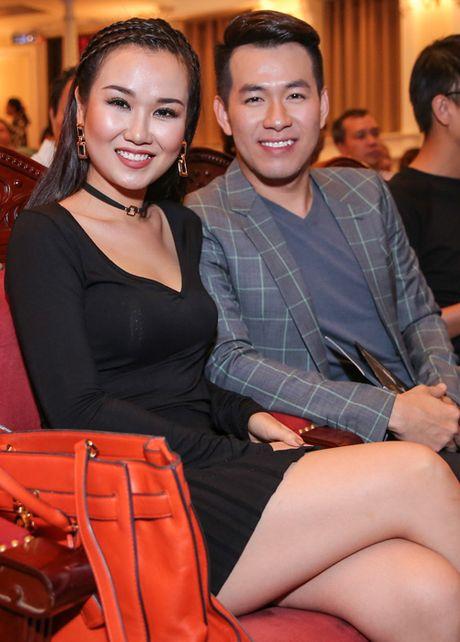 Me con Linh Nga mac ton-sur-ton di xem xiec - Anh 7