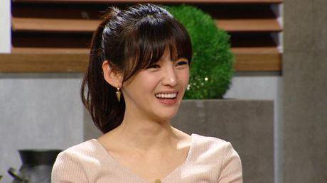 Ban sao Song Hye Kyo bi chi trich vi chup anh tu suong khi dang cho con bu - Anh 4