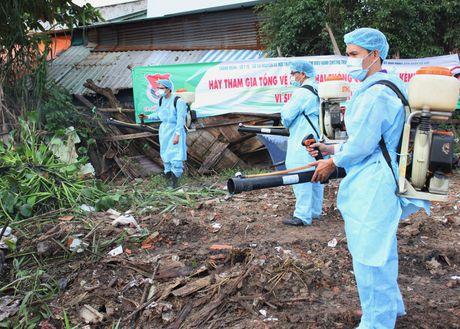 Zika gia tang o Ho Chi Minh, nguoi dan dung qua lo so - Anh 1