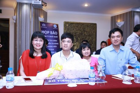 Cong bo muc dau tu 'khung' phat trien tai nang co vua tre Nguyen Anh Khoi - Anh 2