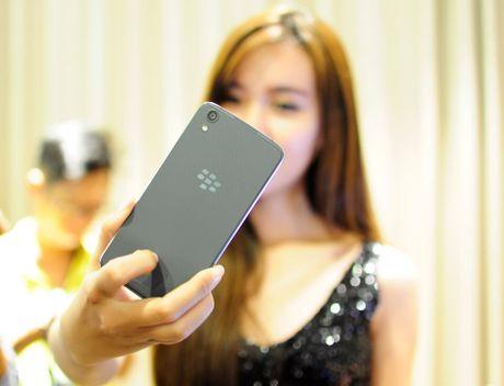 BlackBerry DTEK50 bat ngo giam gia 1 trieu dong - Anh 1