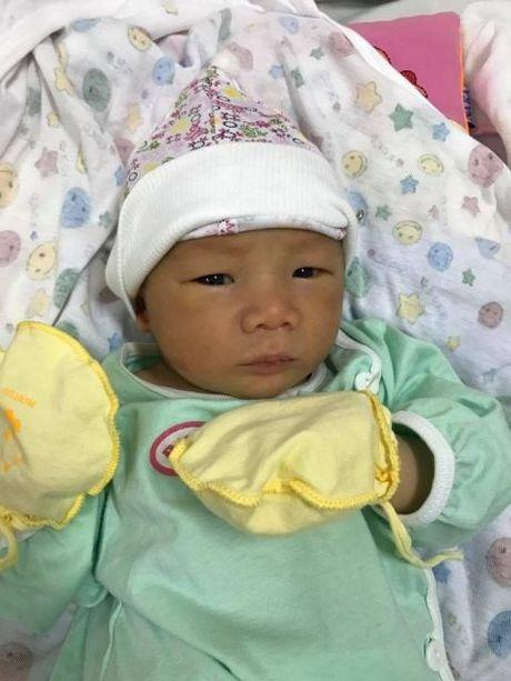 Hiep Ga hanh phuc khoe con trai; Angela Phuong Trinh bi dim hang voi anh lo eo ngan mo - Anh 6