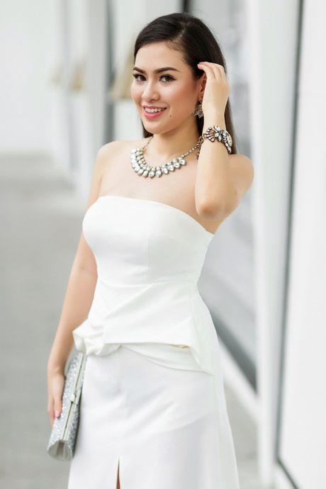 Hoa hau Viet Nam The gioi Diem Tran ve nuoc, lan san showbiz Viet - Anh 4