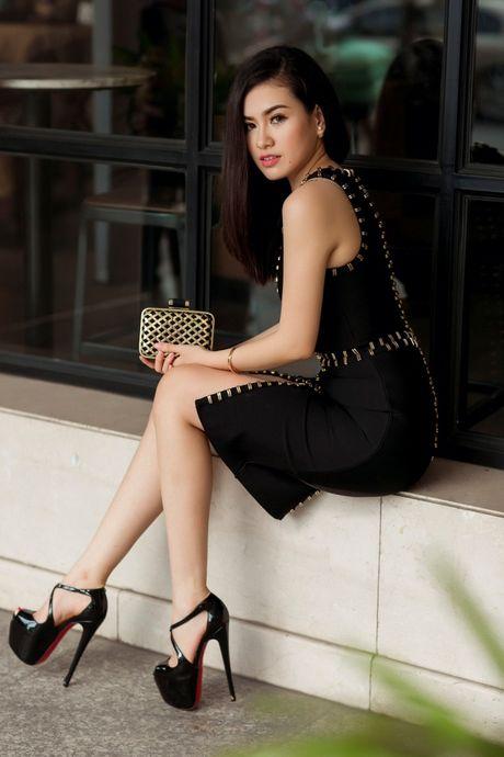 Hoa hau Viet Nam The gioi Diem Tran ve nuoc, lan san showbiz Viet - Anh 6