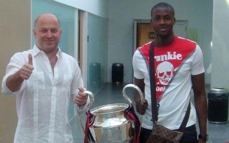 Yaya Toure chinh thuc xin loi Man City - Anh 1