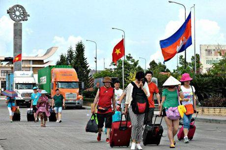 Tang cuong hop tac 3 tinh bien gioi thuoc VN va Campuchia - Anh 1