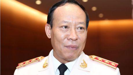 Thu truong Bo Cong an noi ve viec 'xin di chua benh' cua cuu lanh dao PVTEX - Anh 1
