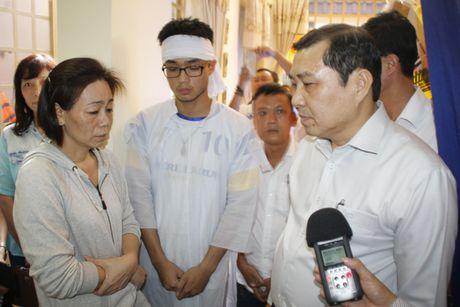 Chu tich Da Nang: Tiec thuong chau be mang uoc mo CSGT vao long dat - Anh 2