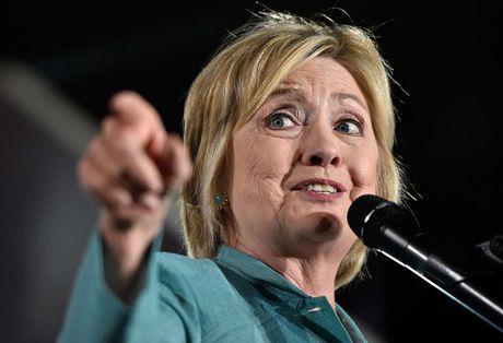 Giua song gio, ba Clinton lieu se van thang lon? - Anh 1