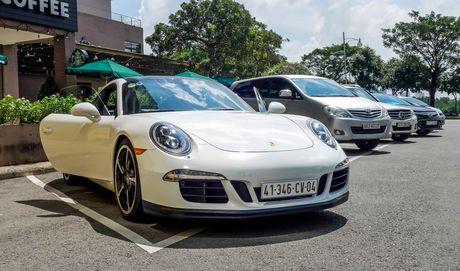 Sieu xe Porsche ban so luong han che tai Sai Gon - Anh 10