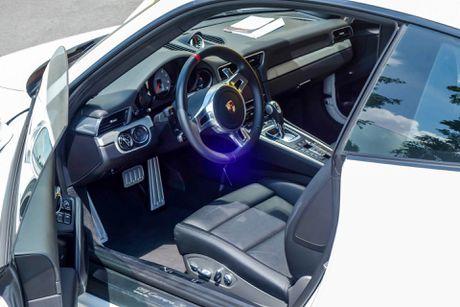 Sieu xe Porsche ban so luong han che tai Sai Gon - Anh 8