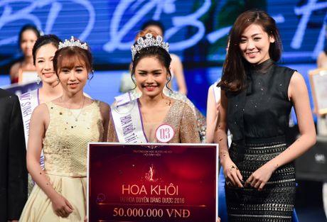 Nu sinh 18 tuoi tro thanh hoa khoi Dai hoc Duoc Ha Noi - Anh 12