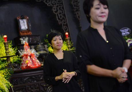 Quoc Khanh khoc o dam tang nghe si Pham Bang - Anh 12