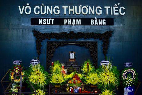 Quoc Khanh khoc o dam tang nghe si Pham Bang - Anh 1