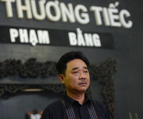 Quoc Khanh khoc o dam tang nghe si Pham Bang - Anh 7