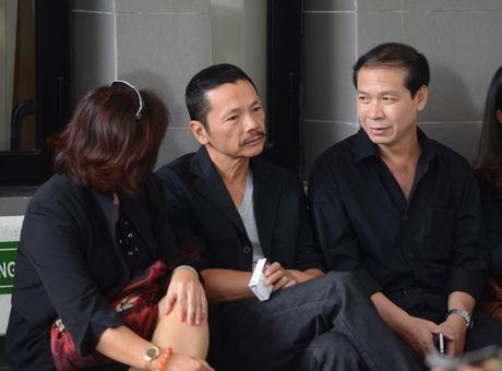 Quoc Khanh khoc o dam tang nghe si Pham Bang - Anh 9