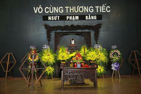 Gioi nghe si chia tay Pham Bang trong nuoc mat - Anh 1