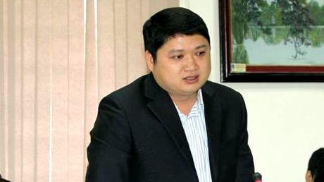 Duong thang tien cua sep nha may 7.000 ty 'tron' di chua benh - Anh 1
