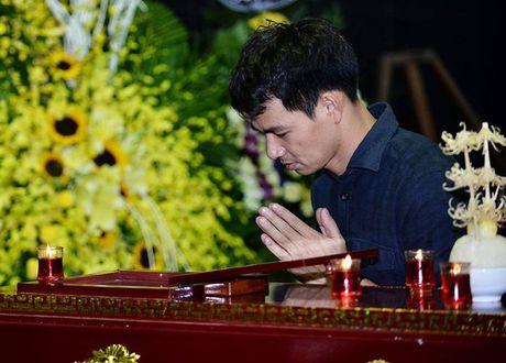 MC Thao Van vua khoc vua ghi so tang nghe si Pham Bang - Anh 13