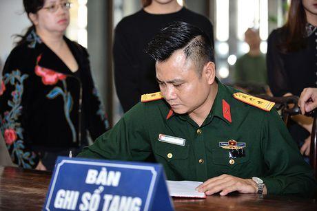MC Thao Van vua khoc vua ghi so tang nghe si Pham Bang - Anh 7