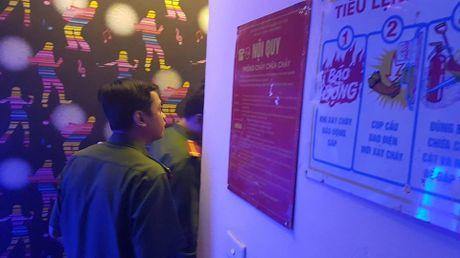 Chay quan karaoke: Lay dau ra cua thoat hiem? - Anh 5