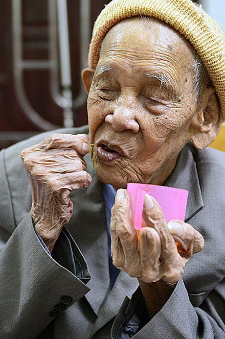 Bac Ninh: Cu ong 105 tuoi co ban chan ky la - Anh 13