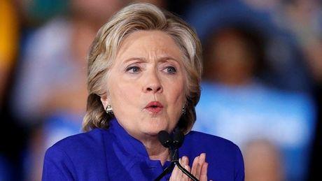 FBI phat hien them hang loat email, ba Clinton che giau dieu gi? - Anh 1