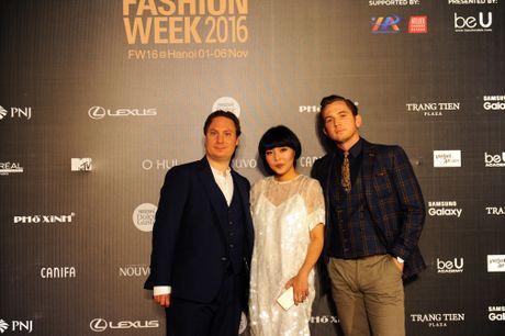Devon Nguyen, NTK tien phong xu huong thoi trang chat lieu tai VIFW - Anh 4