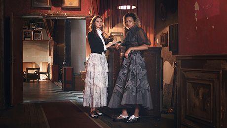 'Hoc' nhay salsa qua nhung thiet ke Cruise 2017 cua Chanel - Anh 1