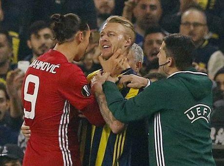 Jose Mourinho dang gap tham hoa o Man United - Anh 4