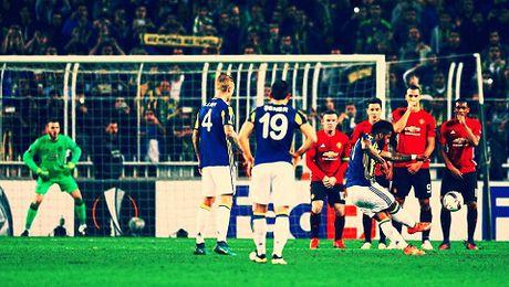 Jose Mourinho dang gap tham hoa o Man United - Anh 5