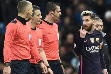 Messi gay go o tran gap Man City: UEFA da co ket luan - Anh 1